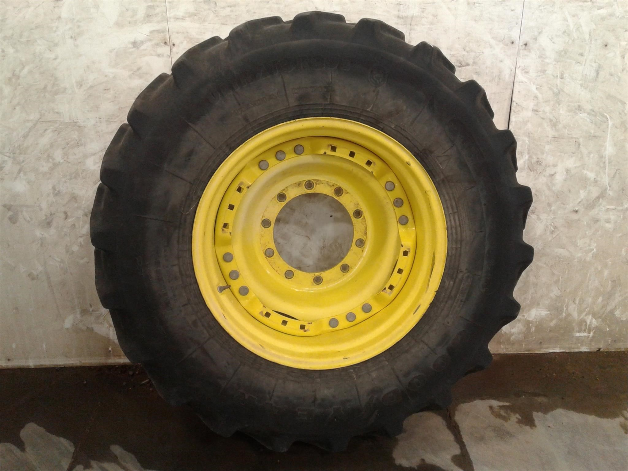 Goodyear 420/85R28 Wheels / Tires / Track