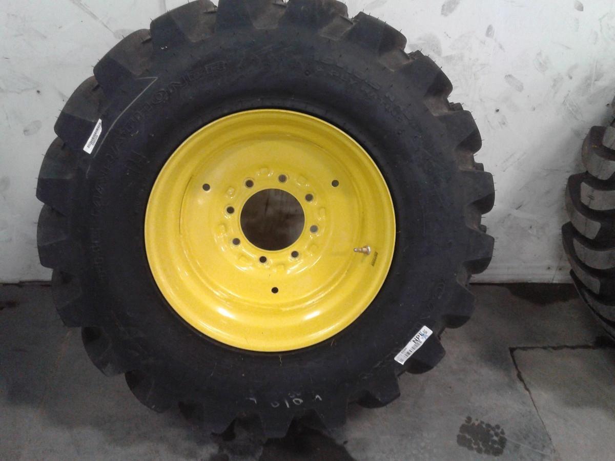 Galaxy 15x19.5 Wheels / Tires / Track