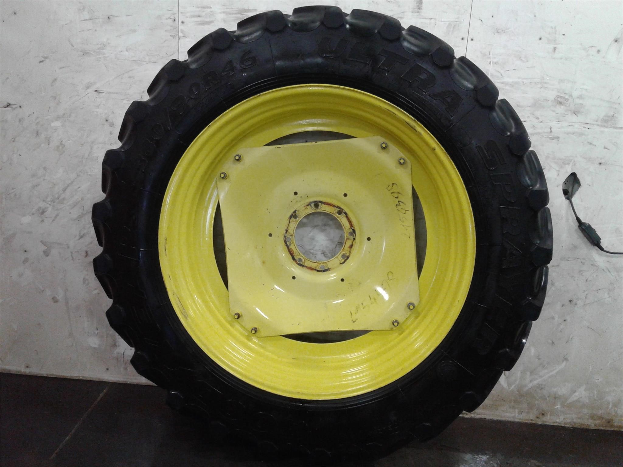 Goodyear 380/90R46 Wheels / Tires / Track