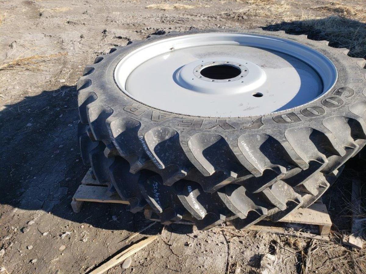 Goodyear 320/90R54 Wheels / Tires / Track