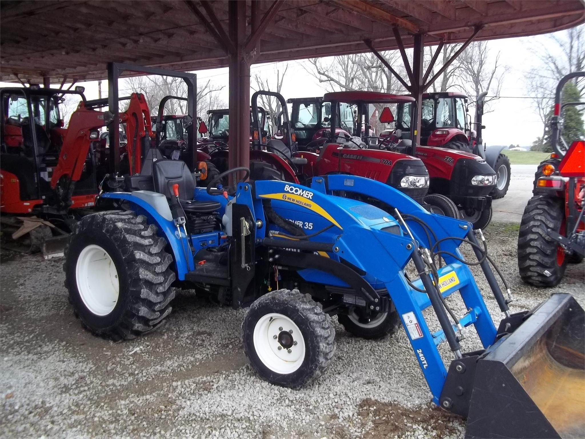 2011 New Holland Boomer 35 Tractor