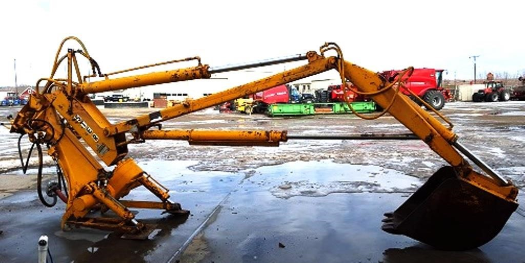 Hyster HY4E24 Backhoe and Excavator Attachment