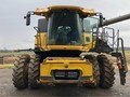 2012 New Holland CR7090 Combine