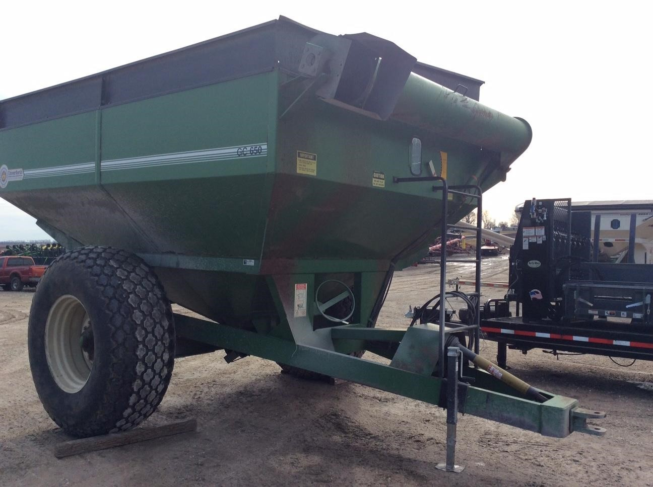 Unverferth 650 Grain Cart