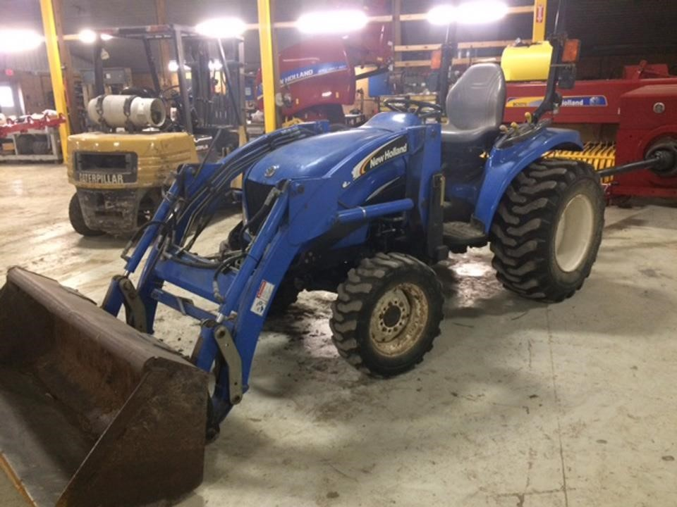 2004 New Holland TC33 Tractor