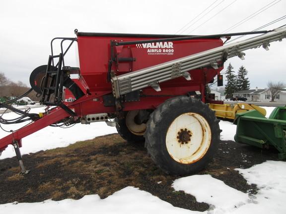 2015 Valmar 8600 Pull-Type Fertilizer Spreader