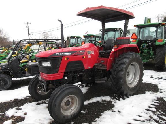 2017 Mahindra 5570 Tractor