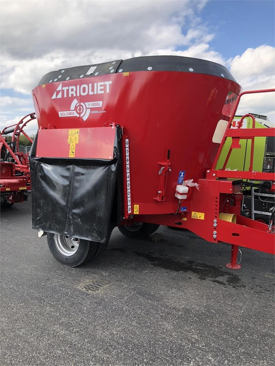 Trioliet Solomix 1-1000L ZK Grinders and Mixer