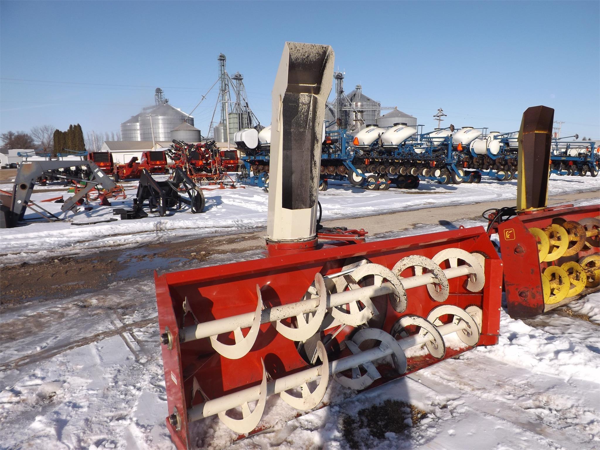 2011 Farm King Y960Q Snow Blower