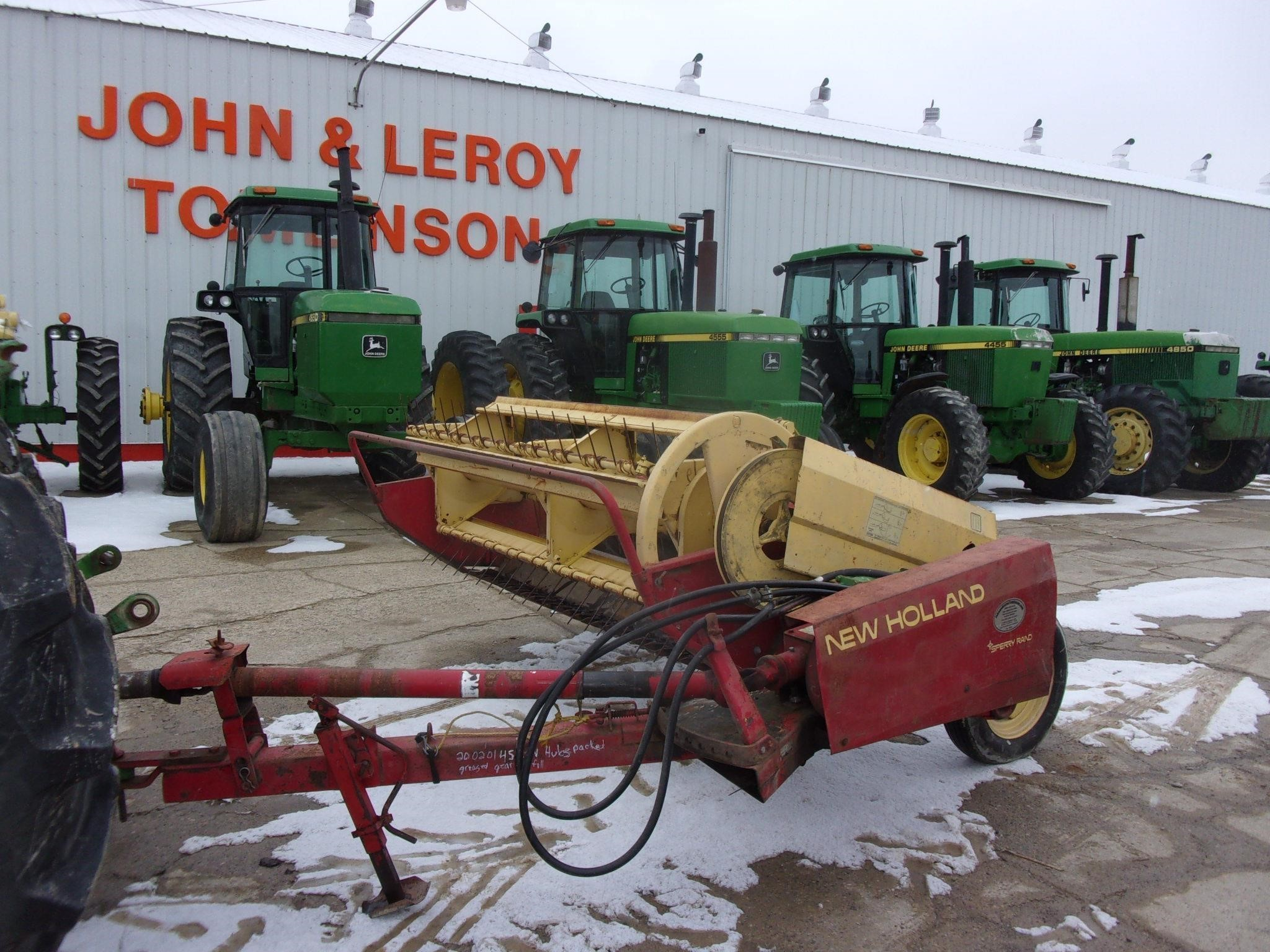 1995 New Holland 467 Pull-Type Windrowers and Swather