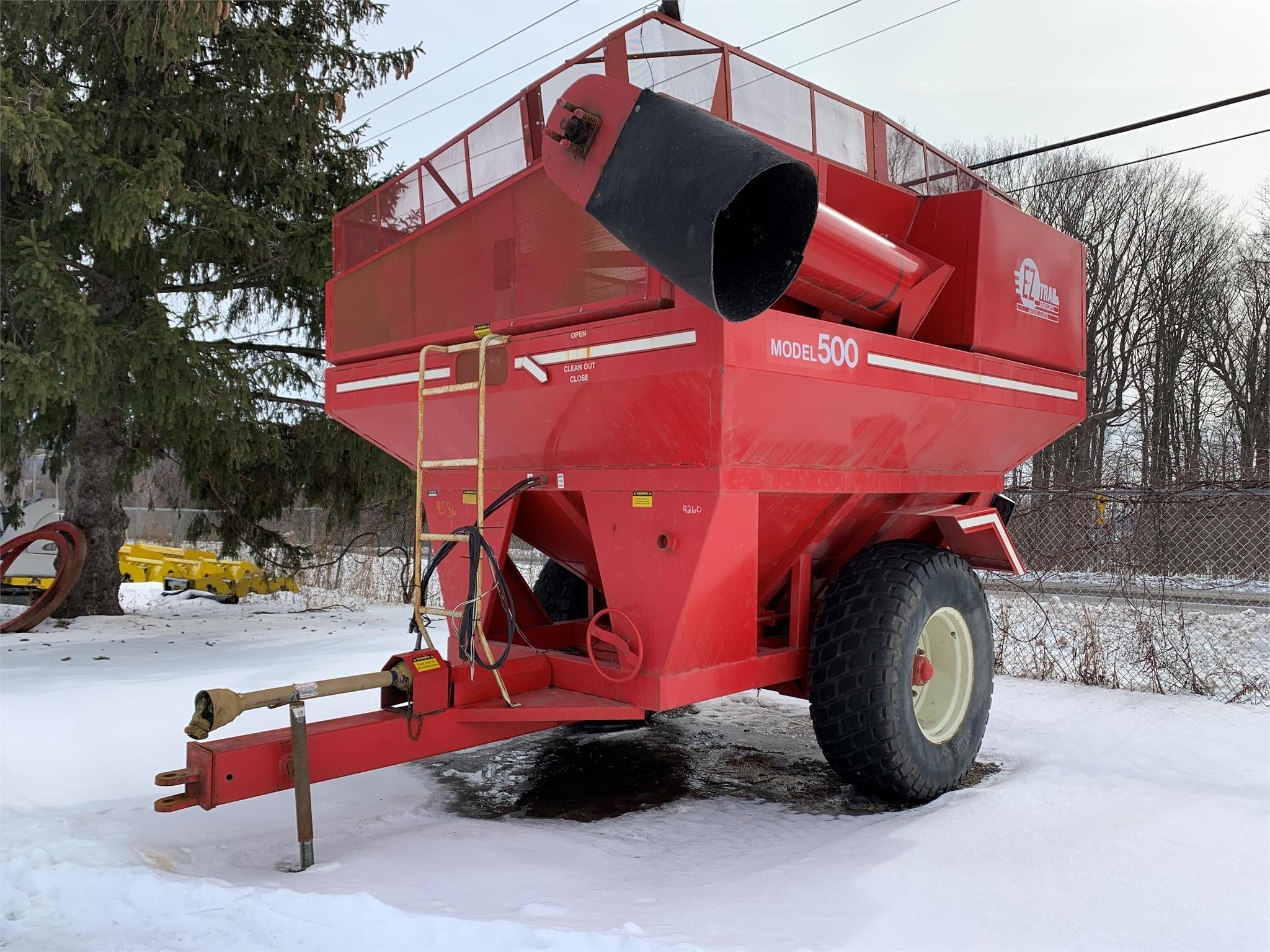 E-Z Trail 500 Gravity Wagon