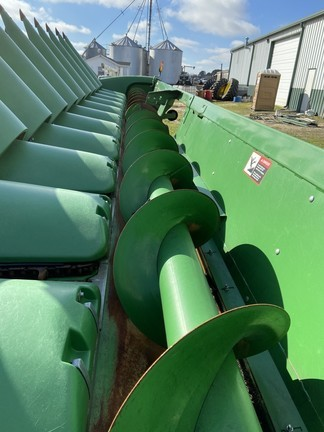 2016 John Deere 612C Corn Head