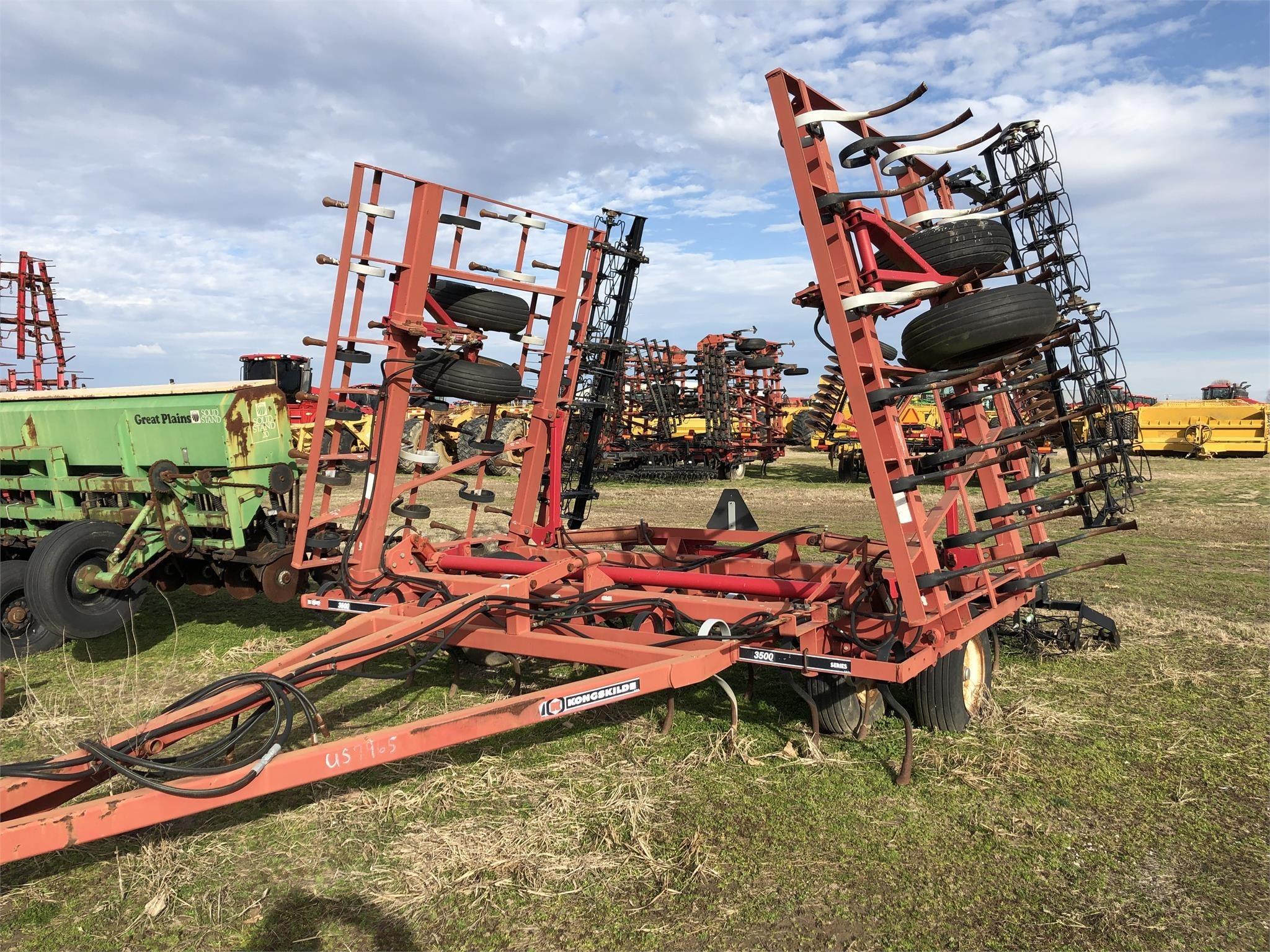 2015 Kongskilde 3500 Field Cultivator
