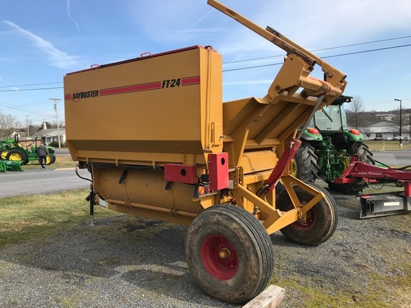 Haybuster 2655 Grinders and Mixer