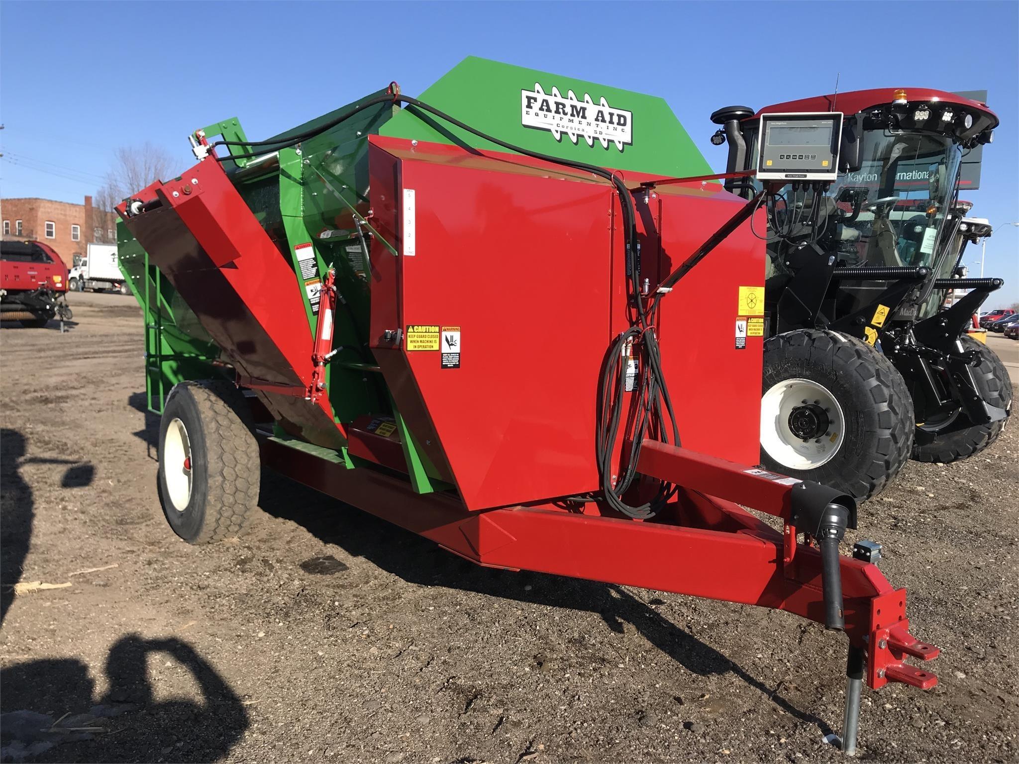 2019 Farm Aid 430 Feed Wagon