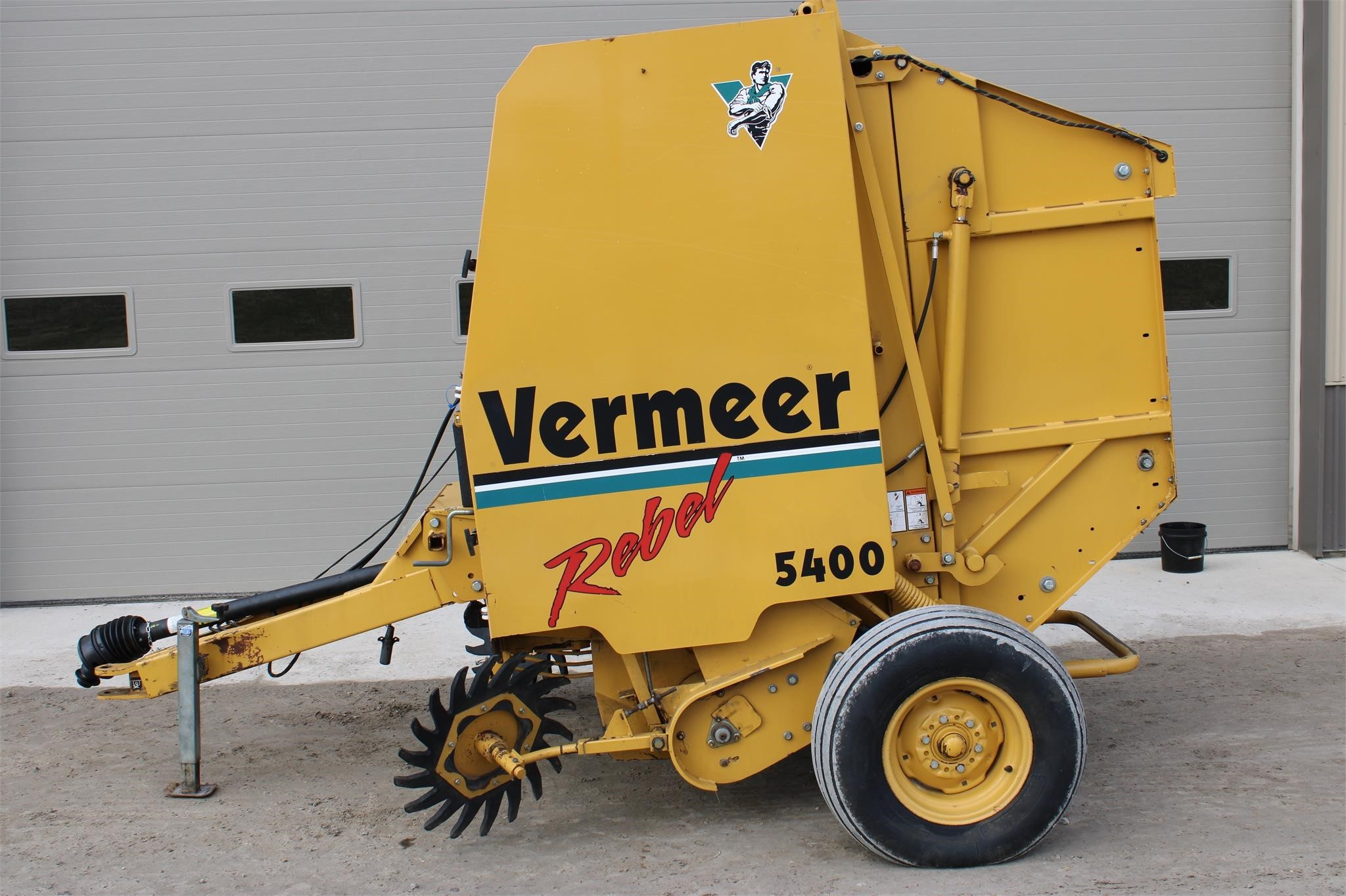 Vermeer 5400 Round Baler