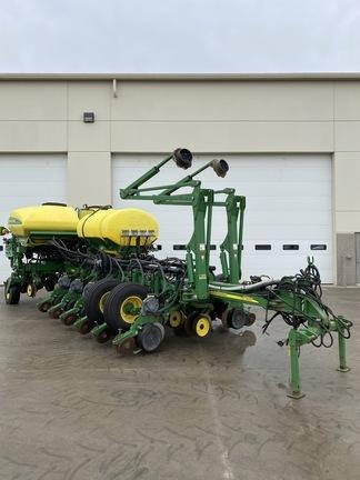 2008 John Deere 1770NT CCS Planter