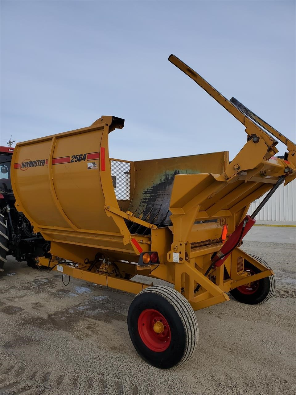 2012 Haybuster 2564 Grinders and Mixer