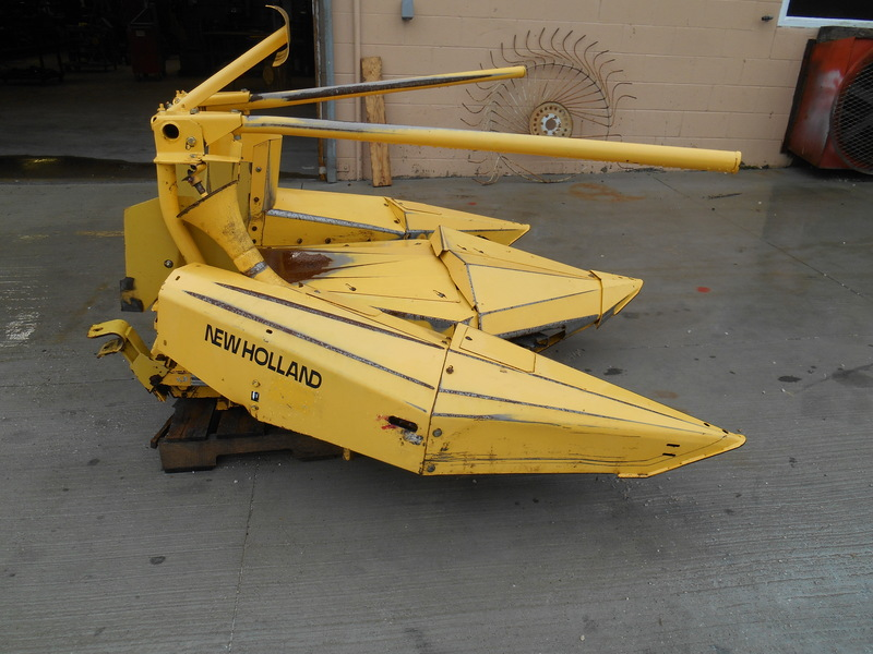 2001 New Holland 824 Pull-Type Forage Harvester
