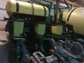 2000 John Deere 1760 Planter