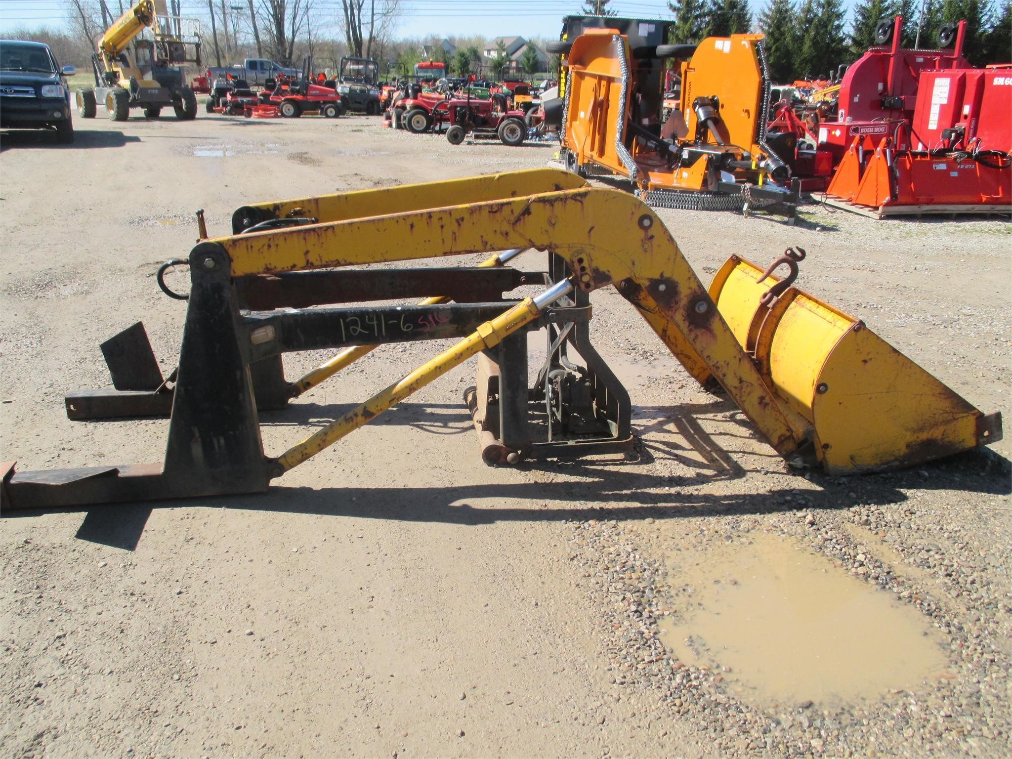 Midwestern Industries 100 Front End Loader