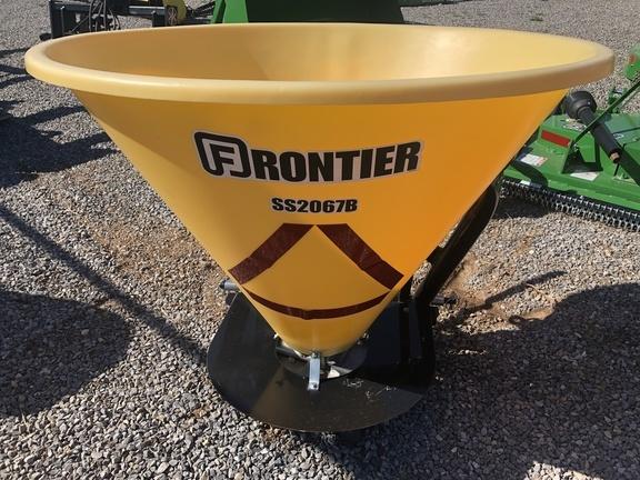 2017 Frontier SS2067B Pull-Type Fertilizer Spreader