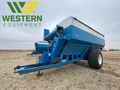 1999 Kinze 840 Grain Cart
