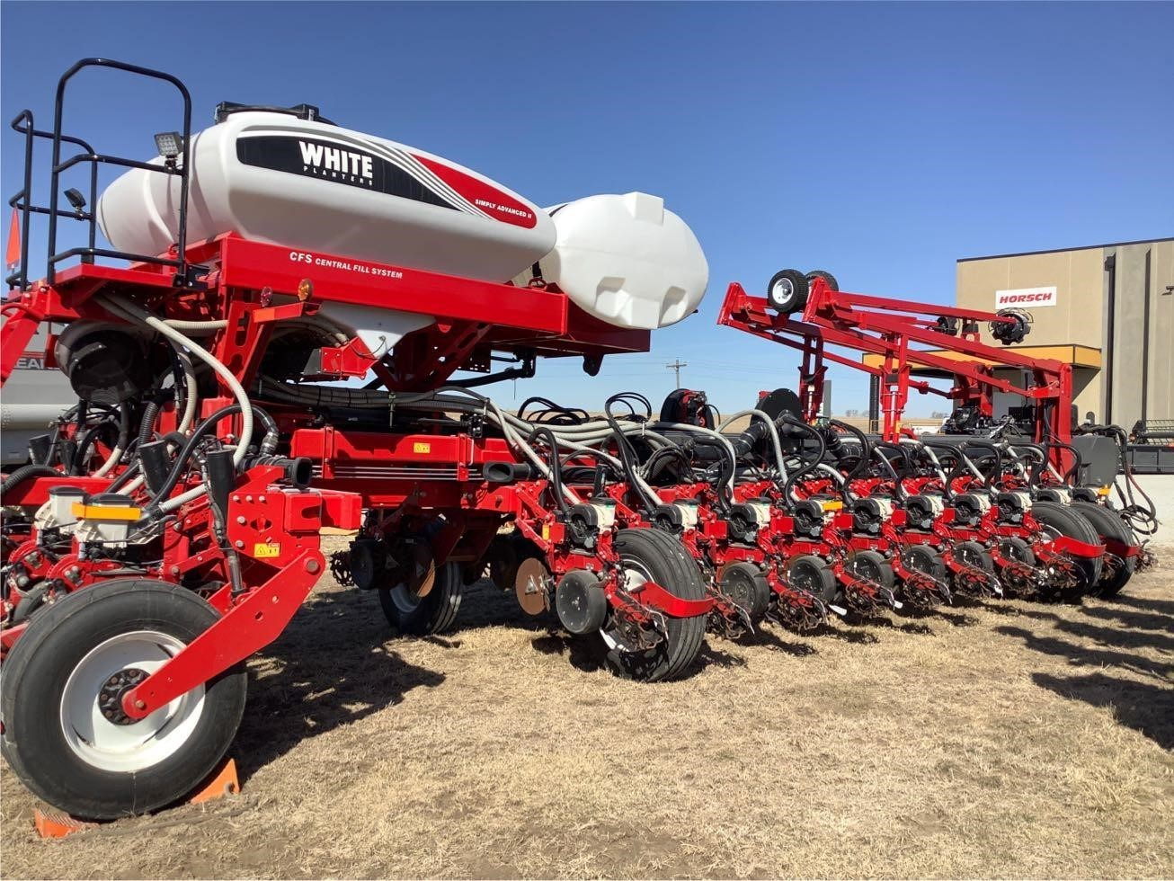 2019 White 9824VE Planter