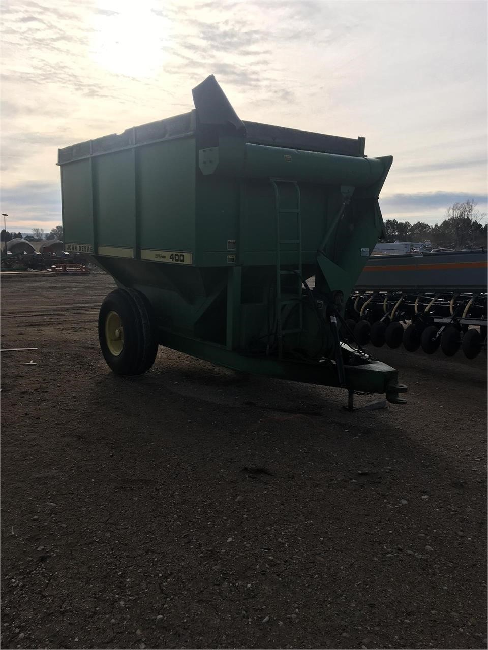 John Deere 400 Grain Cart