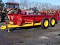 New Holland 675 Manure Spreader