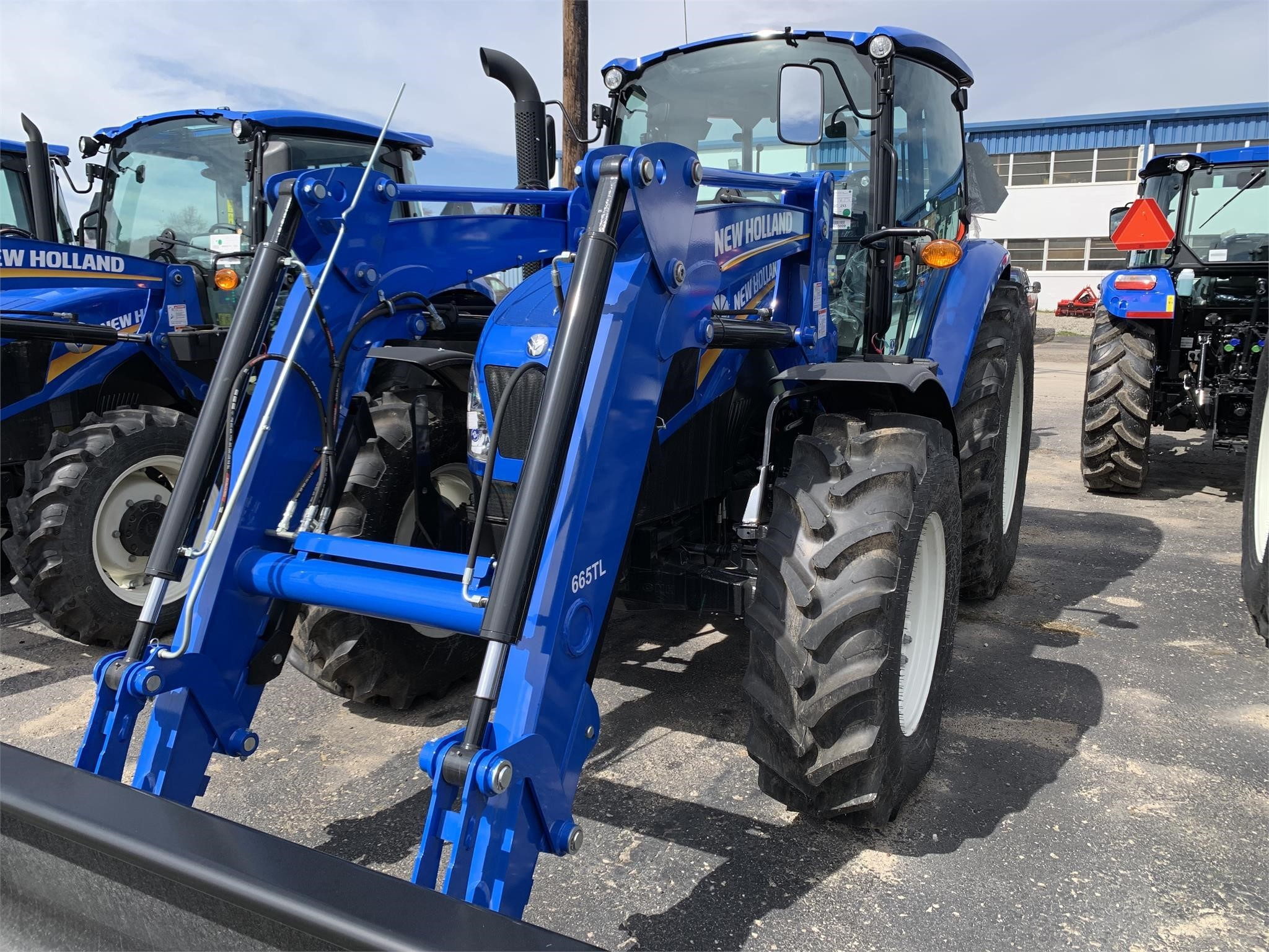 2020 New Holland T4.120 Tractor