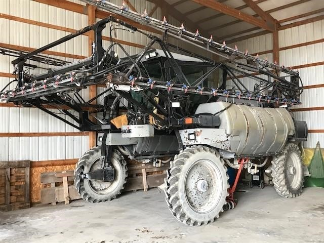 2000 Hagie 2100 Self-Propelled Sprayer