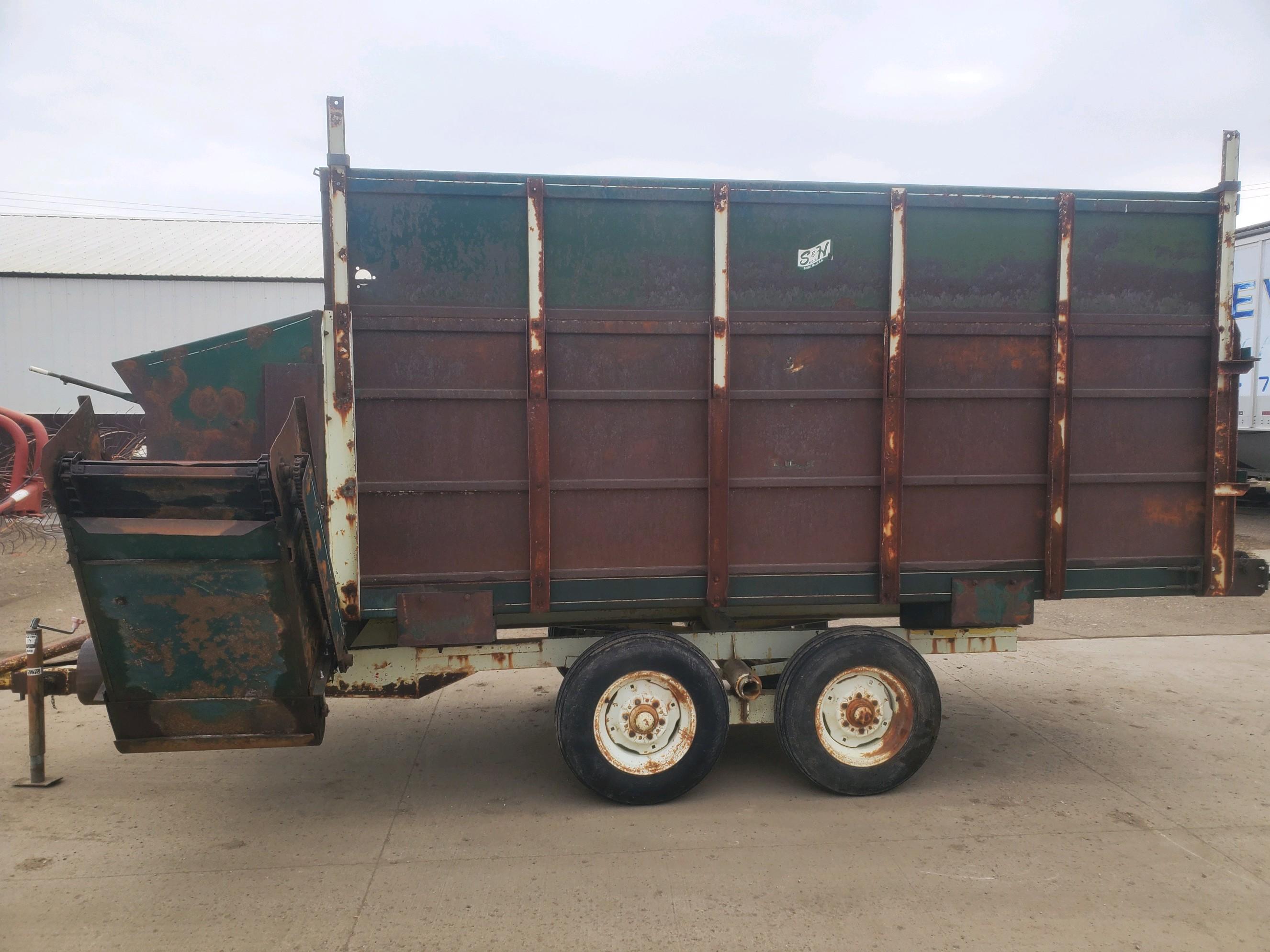 S&H 314 Feed Wagon