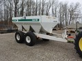 Willmar S600 Pull-Type Fertilizer Spreader