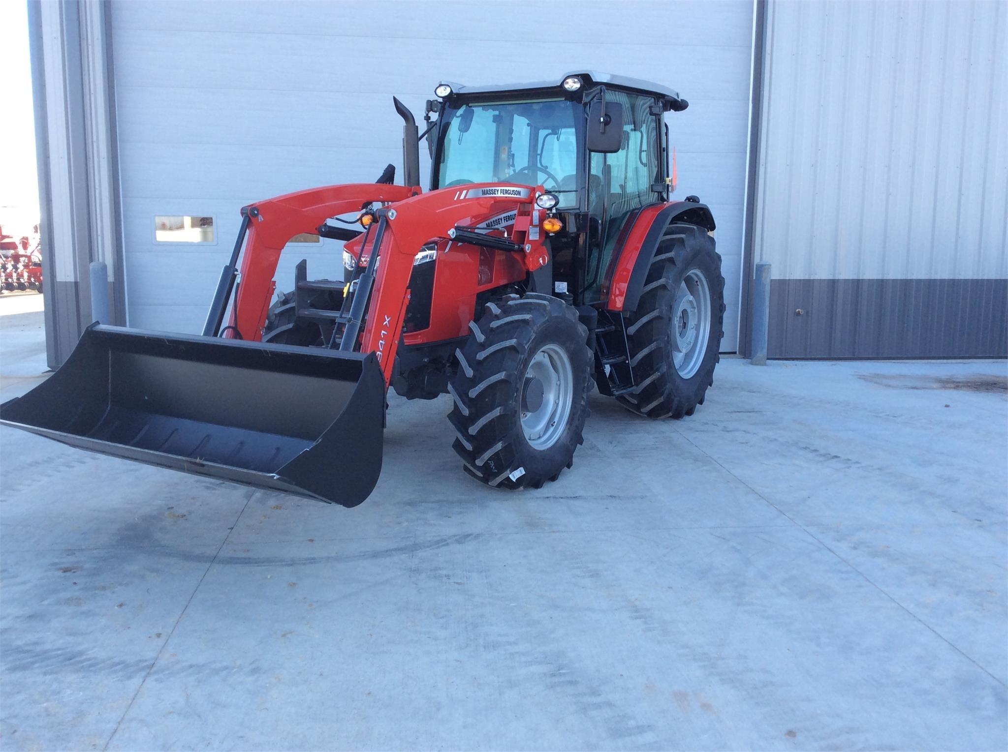 2019 Massey Ferguson 5710 Tractor