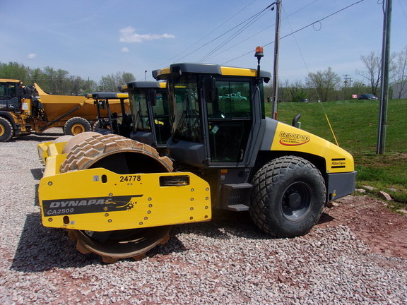 2015 Dynapac CA2500D Compacting and Paving