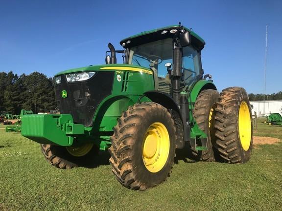 2015 John Deere 7210R Tractor