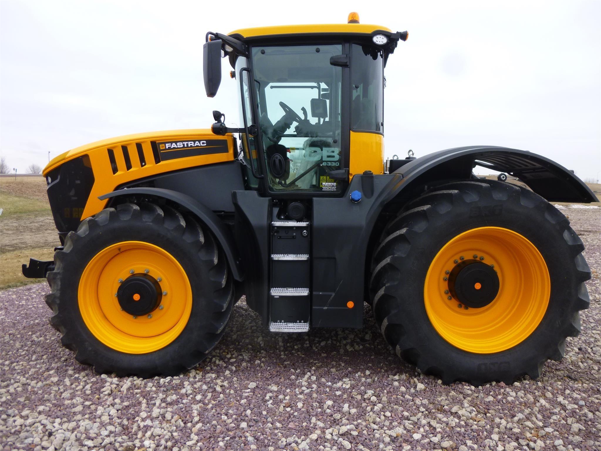2020 JCB FASTRAC 8330 Tractor