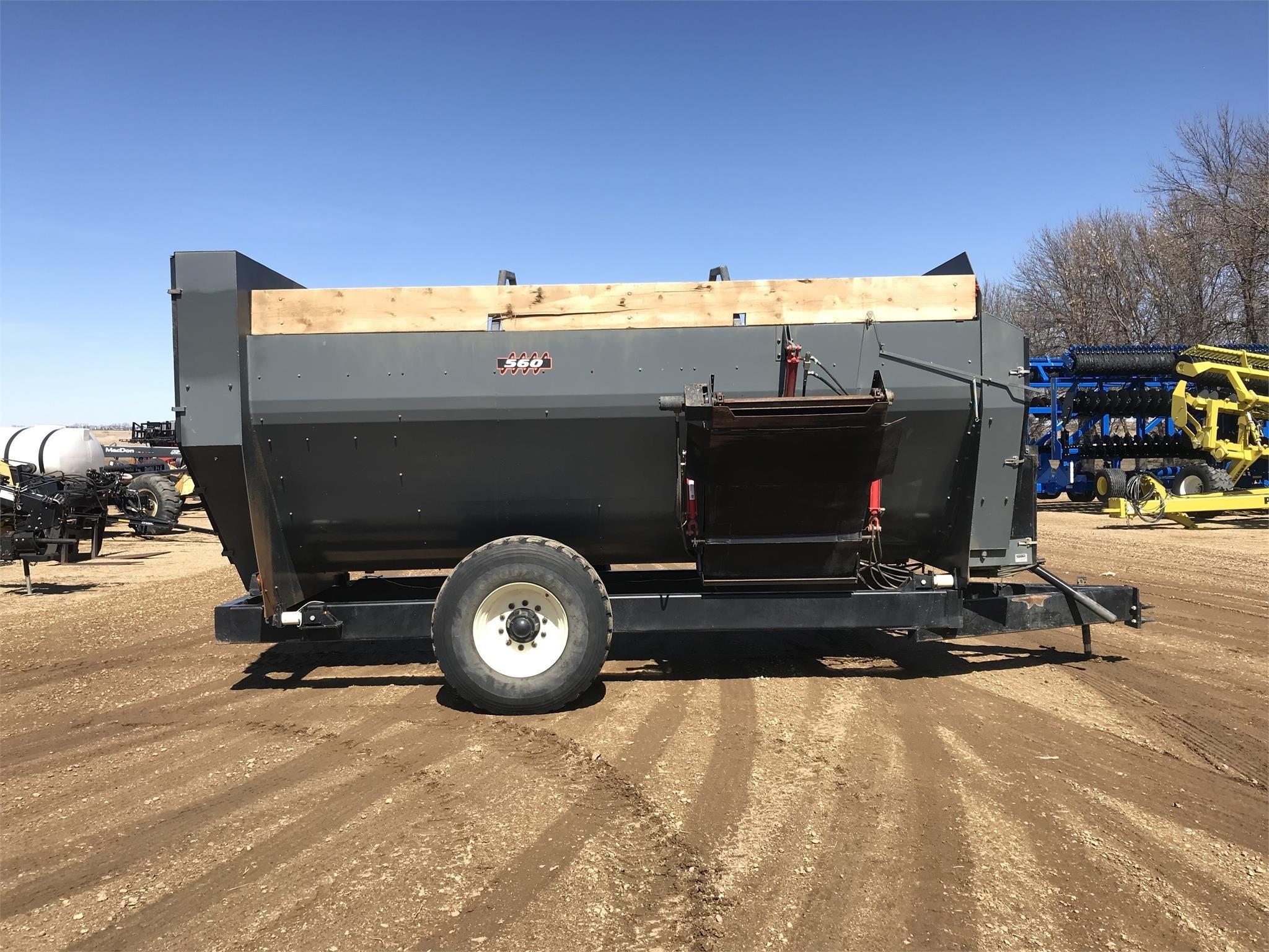 2018 Farm Aid 560 Feed Wagon