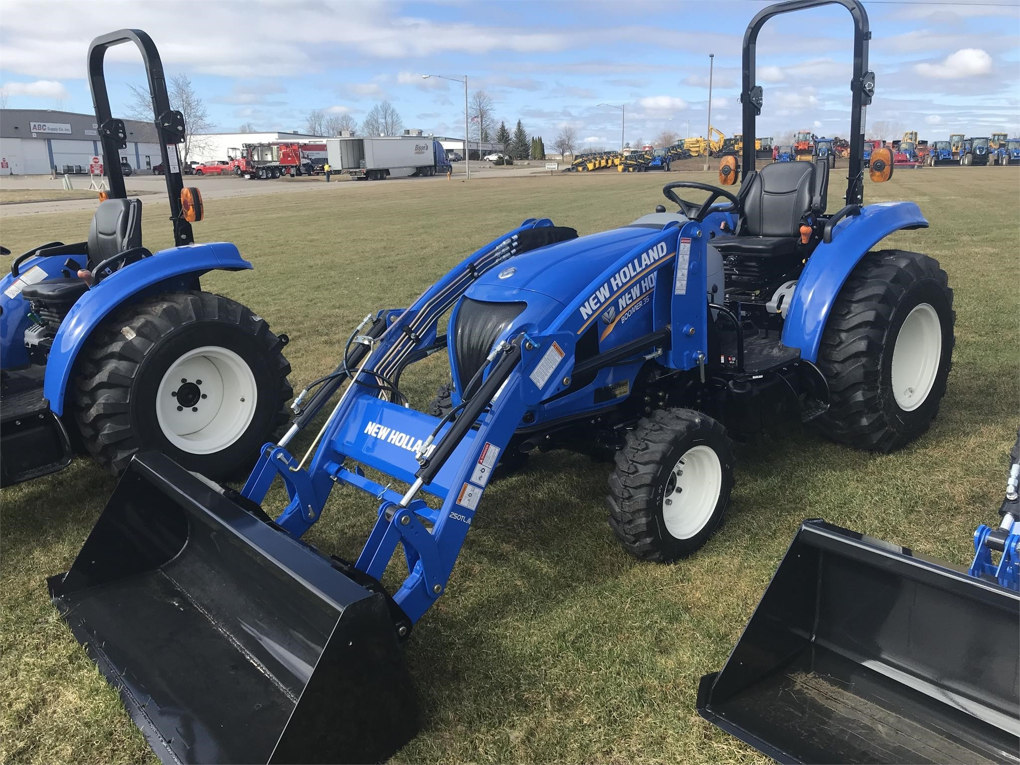 2020 New Holland Boomer 35 Tractor