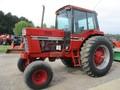 International Harvester 1586 Tractor