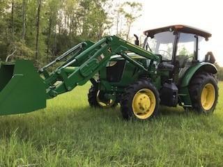 2017 John Deere 5085E Tractor