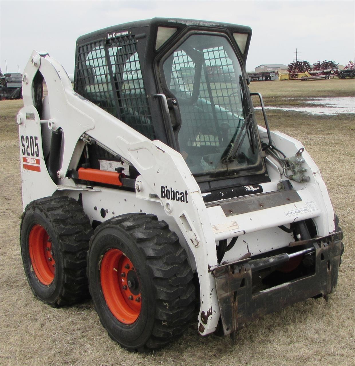 2005 Bobcat S205 Skid Steer
