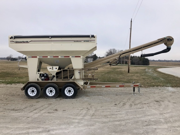 2020 Unverferth 3755XL Seed Tender