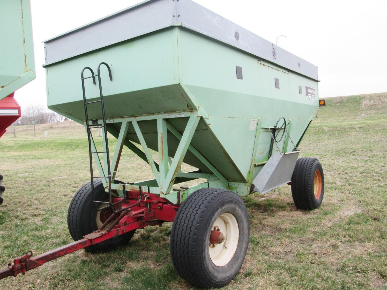 Parker 4800 Gravity Wagon