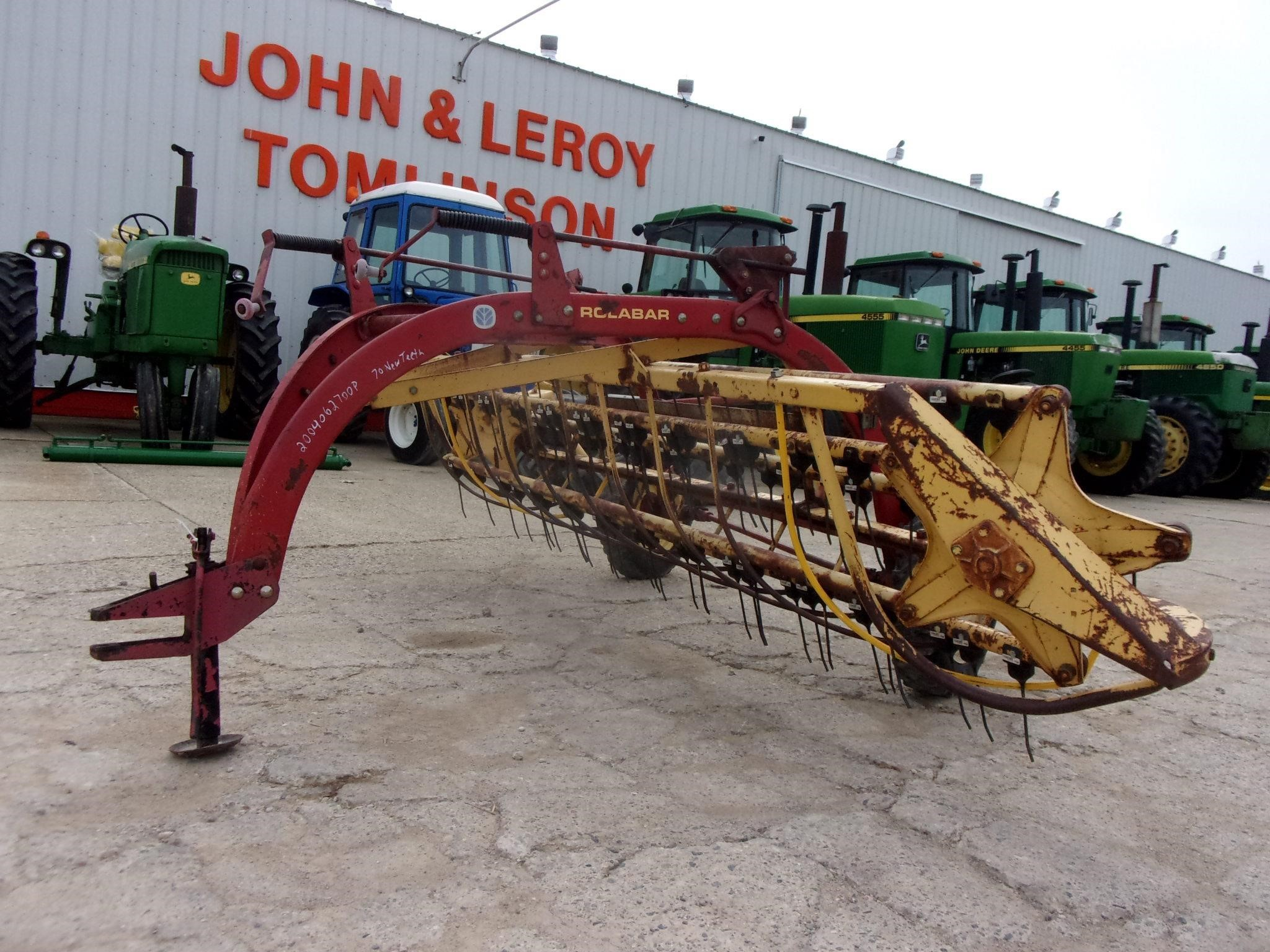New Holland 260 Rake