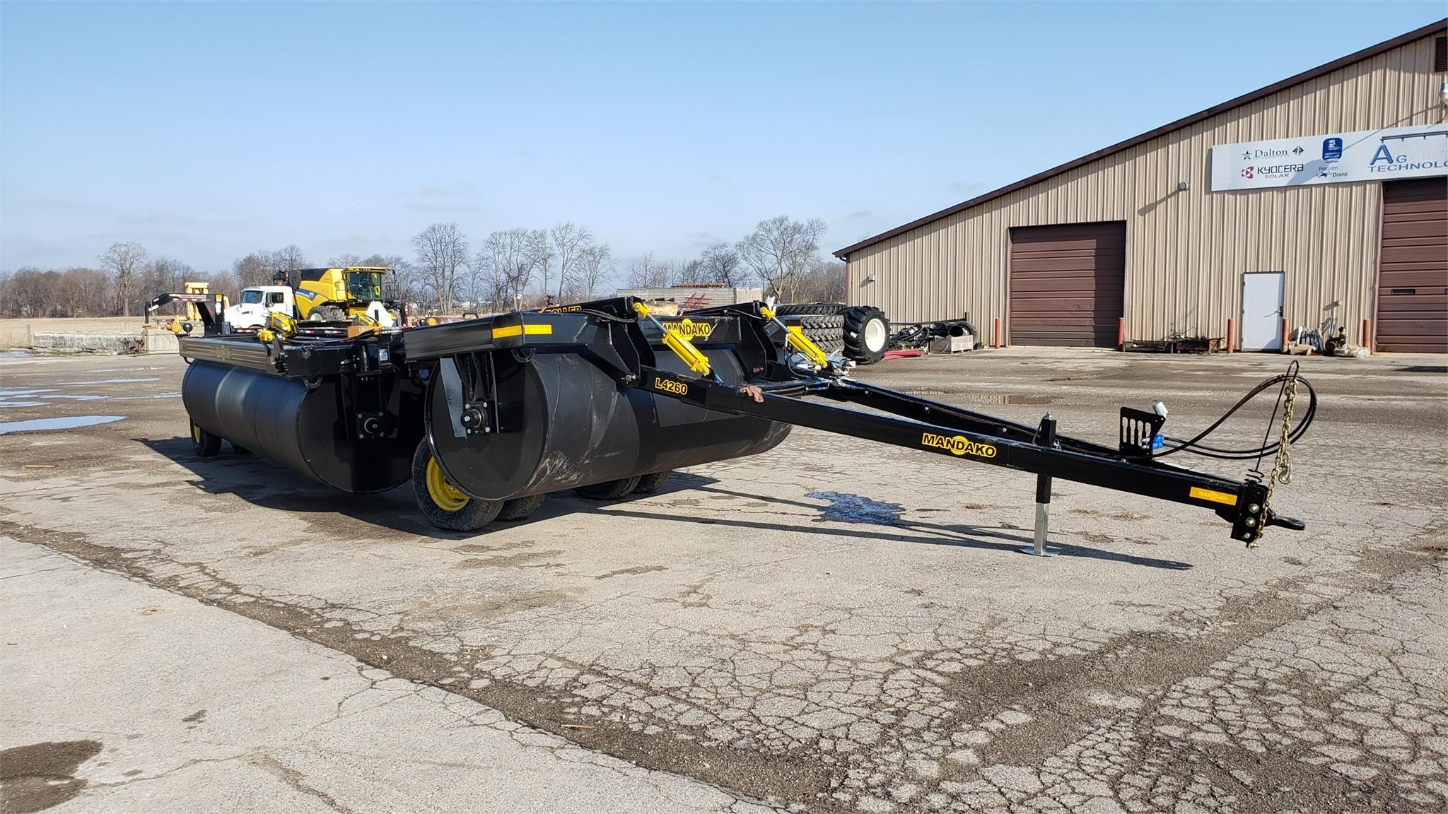 2020 Mandako LR42 Land Roller