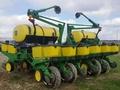 1996 John Deere 1760 Planter
