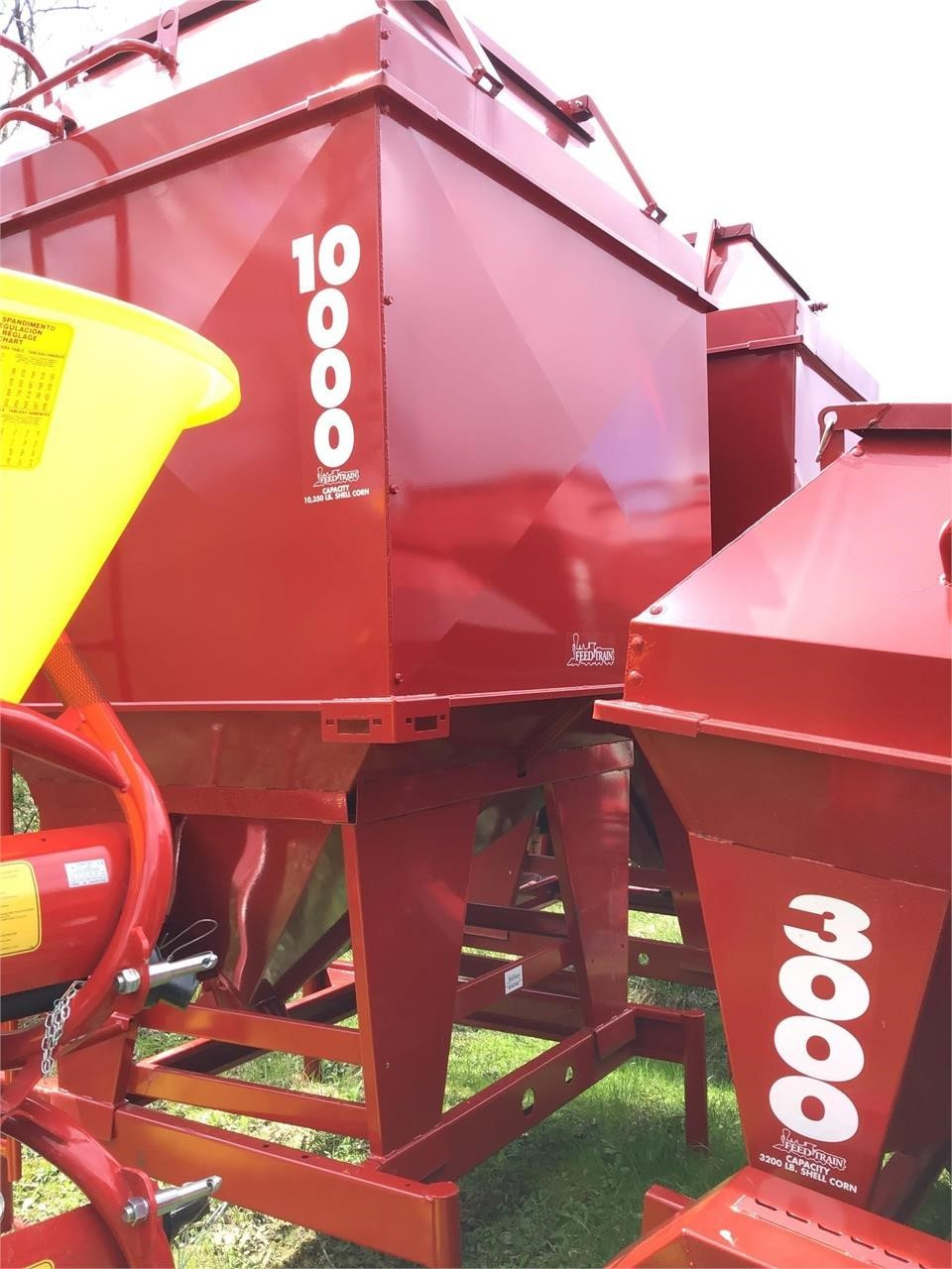 FEED TRAIN 10000 Feed Bin