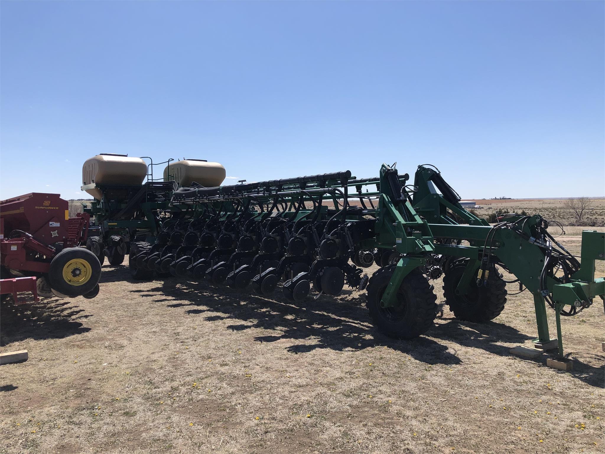 2011 Great Plains YP2425A Planter